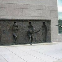free statue