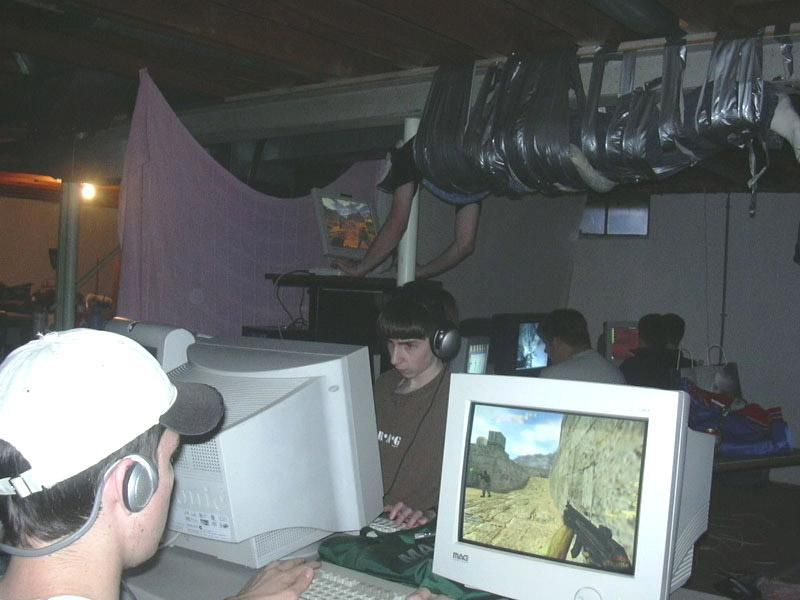 awesome lan party workstation - pichars.org